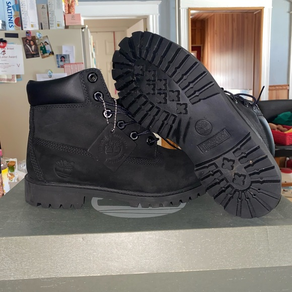 Timberland Shoes - Timberland boots 4.5